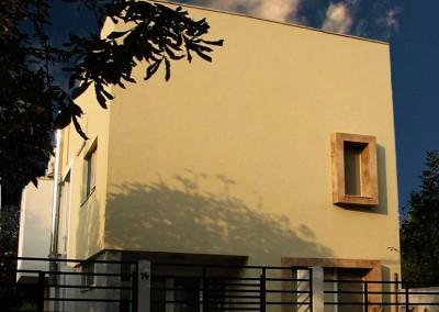 Facliei House